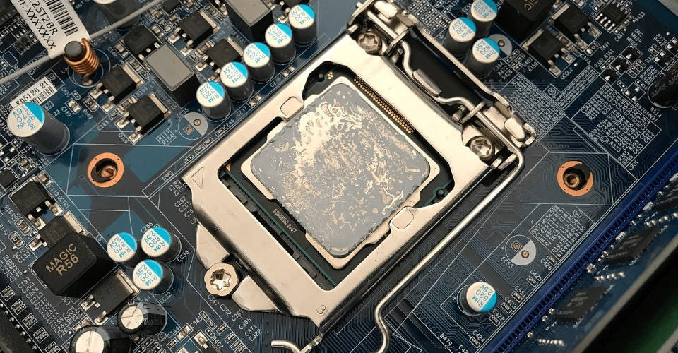 Intel CPU with thermal paste